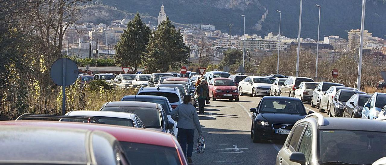 Imagen de archivo del colapso de los accesos al hospital Lluís Alcanyís de Xàtiva. | LEVANTE-EMV