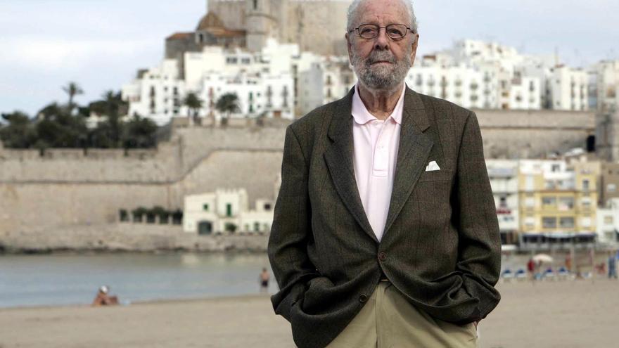 Tusquets premia a Miguel Ángel Villena por la biografía de Berlanga