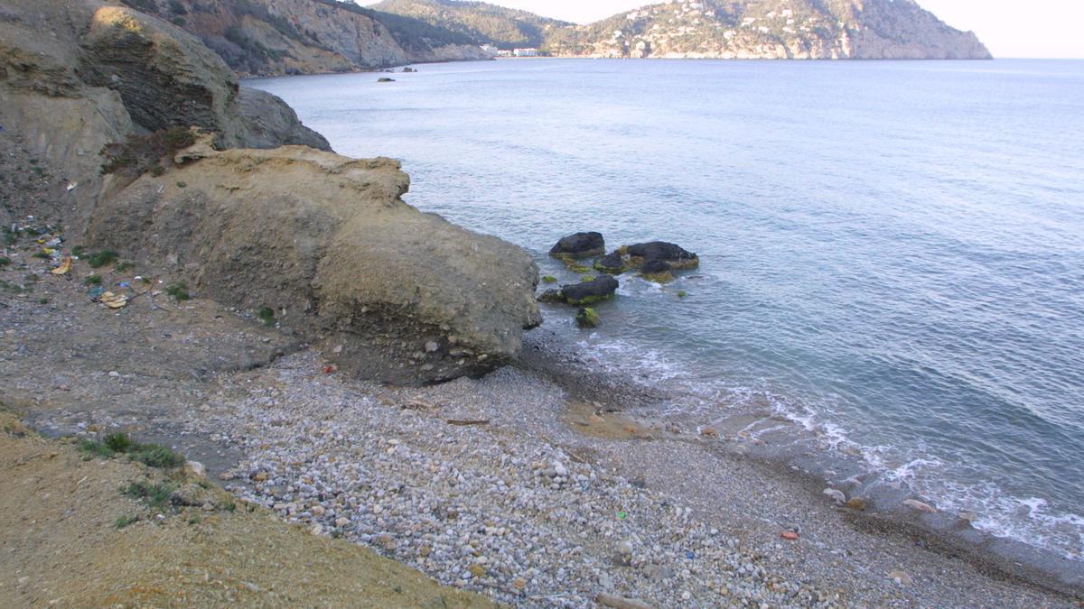 La playa de Aigües Blanques en una foto de archivo