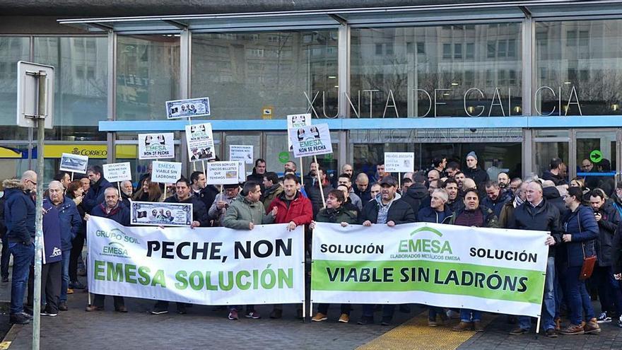 Los sindicatos achacan el fracaso de la venta de Emesa a la inacción del Gobierno gallego