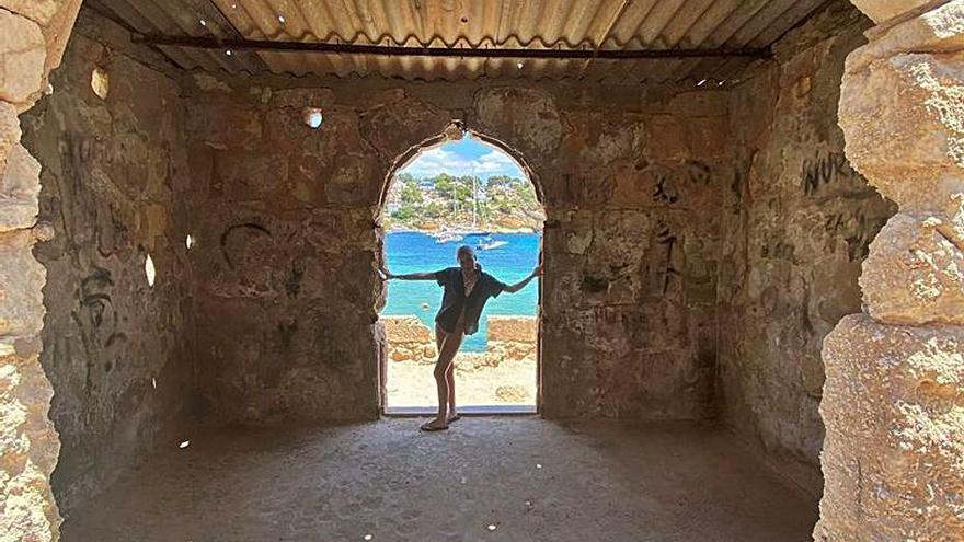 Caroline Corr, un baño en familia en Puerto Portals