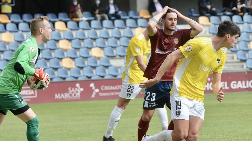 Al Pontevedra se le escapa la victoria en el último minuto ante el Lealtad (2-2)