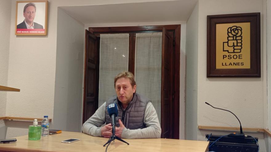 Dimite tras ser condenado por prevaricar el líder del PSOE de Llanes, José Herrero