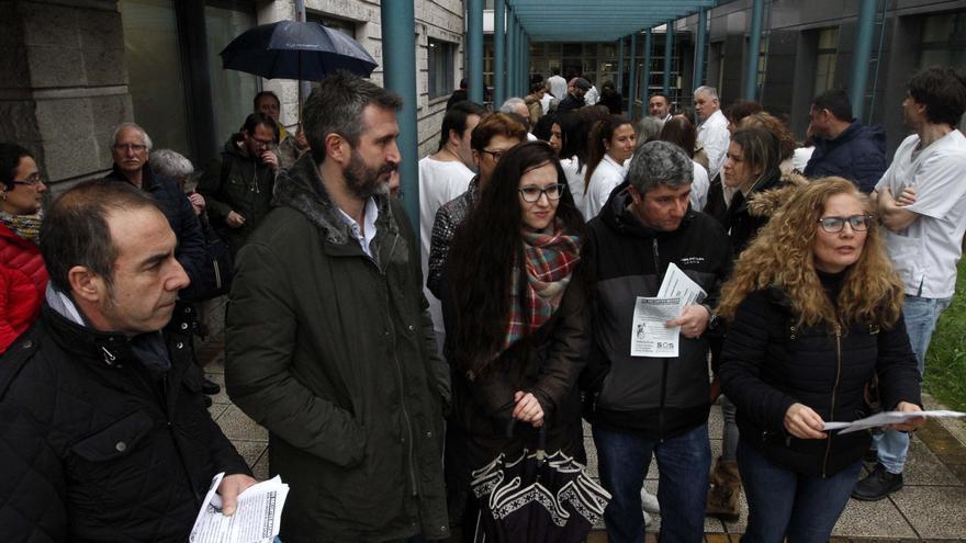 Varela urge a Sanidade una solución a la grave y prolongada falta de médicos en el PAC de Vilagarcía