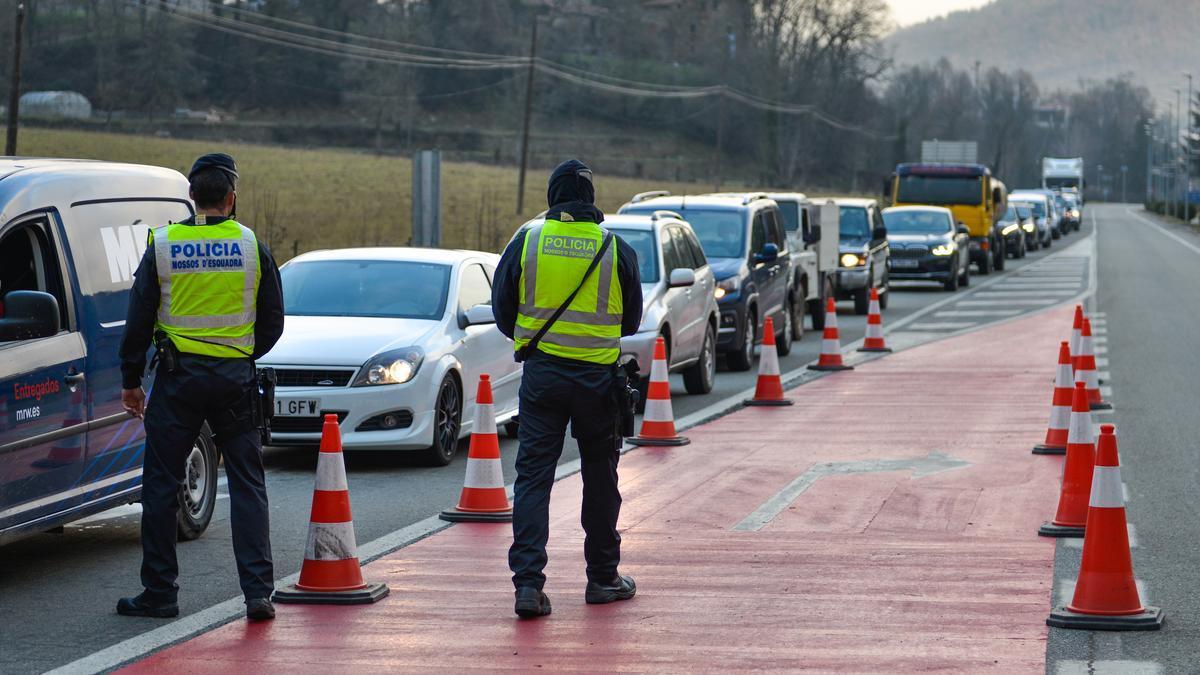 Un control de movilidad en Girona.