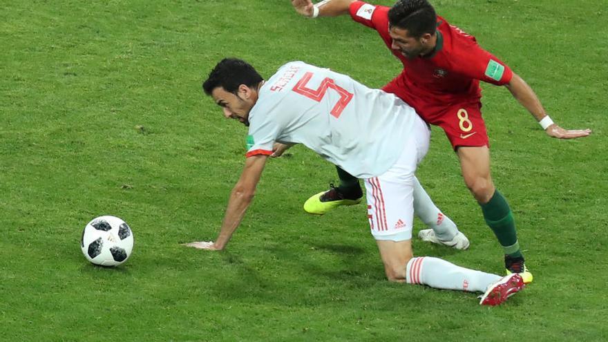 Un hat-trick de Cristiano evita la remuntada d'Espanya a Portugal