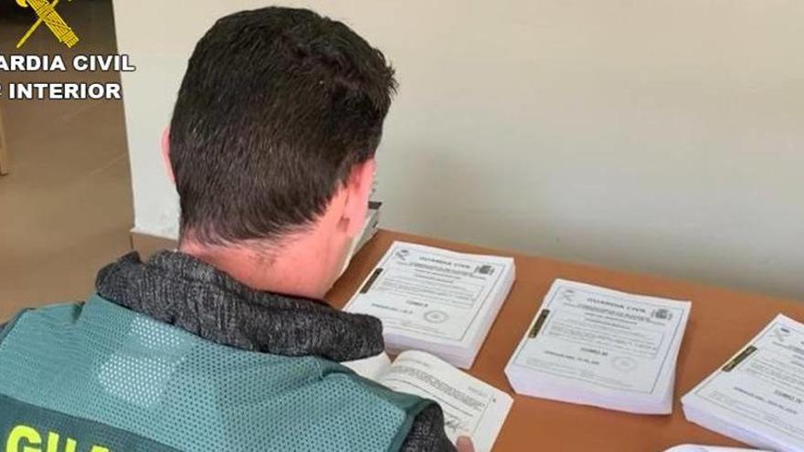 Detenida una pareja de Novelda por vender, presuntamente, falsificaciones de documentos públicos