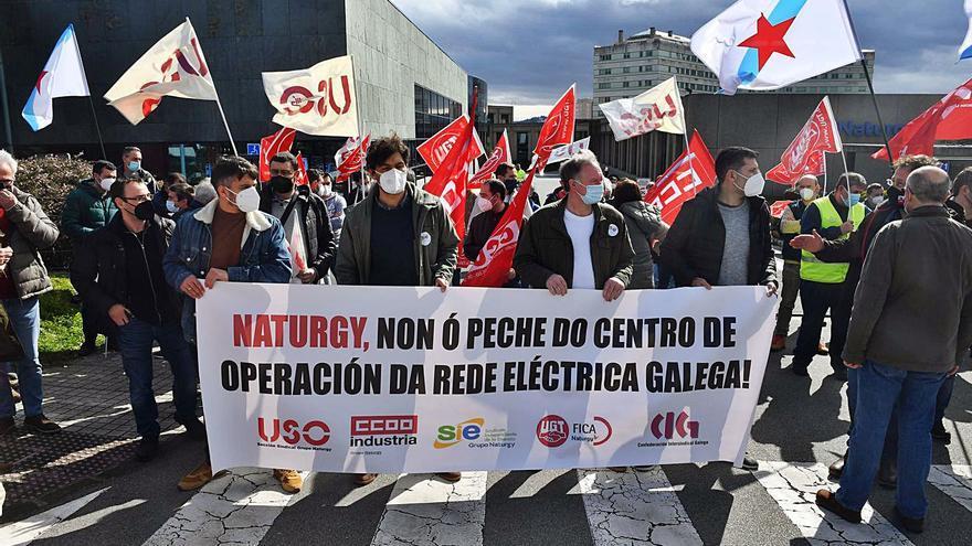 """La Xunta pide a Naturgy que vincule su """"compromiso con Galicia"""" al empleo"""