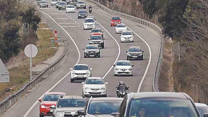 La tornada de Setmana Santa pot causar avui cues a les carreteres