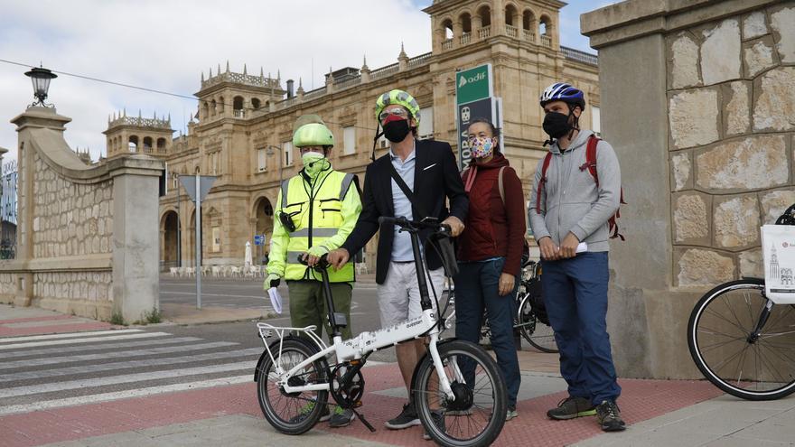 """Bici Zamora exige un modelo """"público, sostenible y social"""" para el tren"""