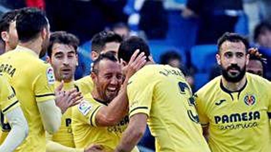 El Villarreal remonta ante la Real y sigue de dulce en San Sebastián