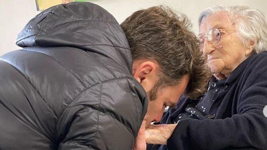 Fonsi Nieto anuncia la muerte de su abuela
