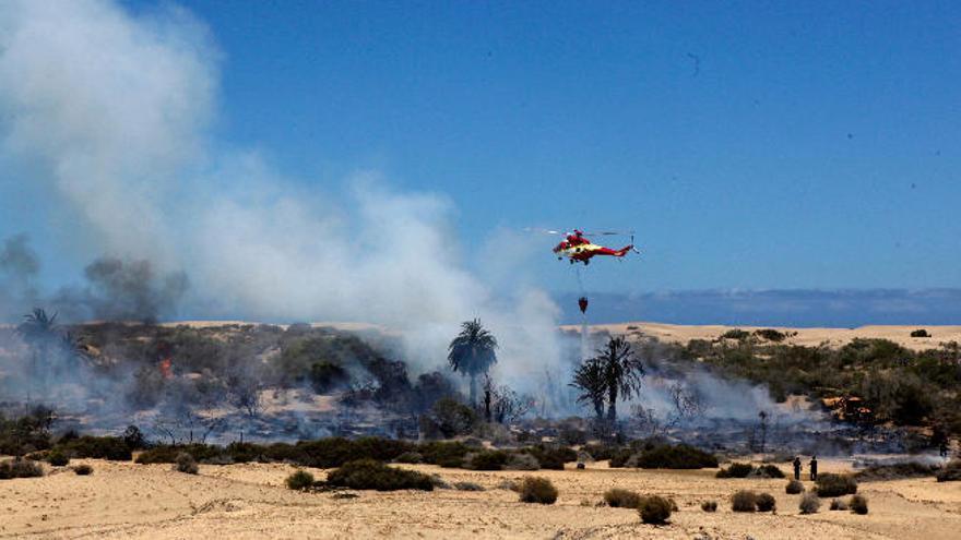 CC pregunta por qué los helicópteros del Cabildo no acudieron al incendio de las Dunas