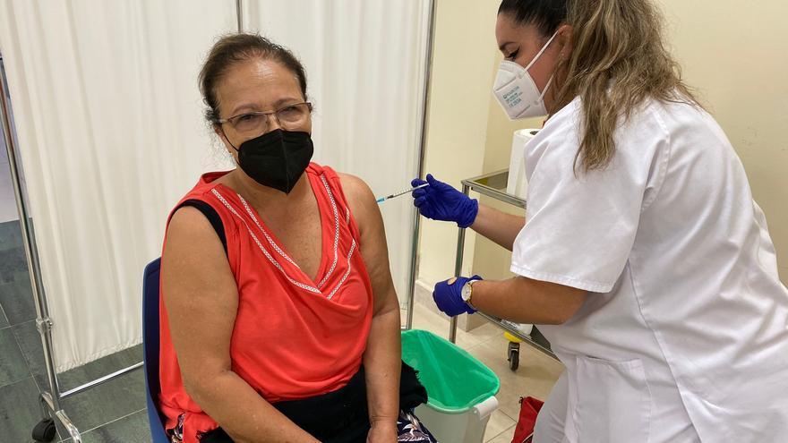 Canarias administra 383.479 dosis de vacunas
