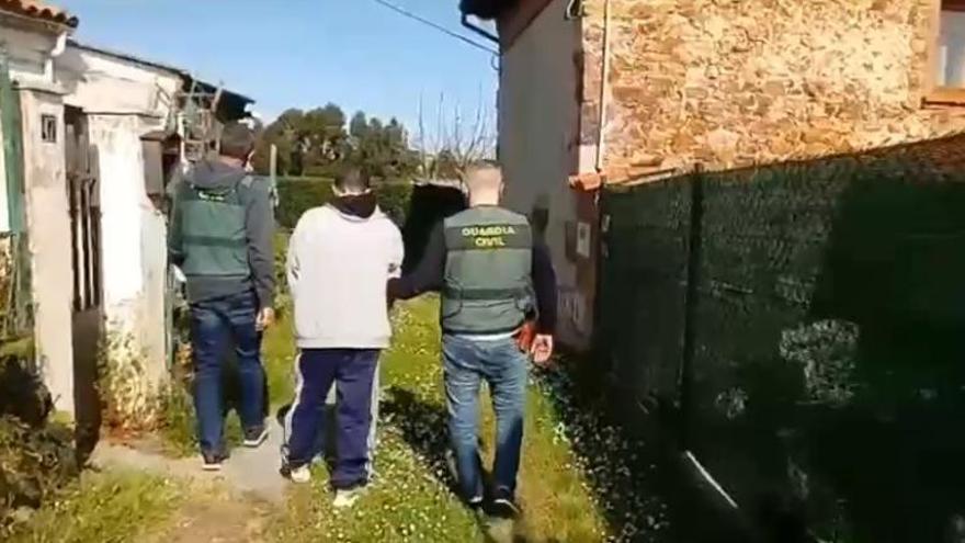 """Detenido un hombre por varios robos en Castrillón que estaba de """"okupa"""" en una casa"""