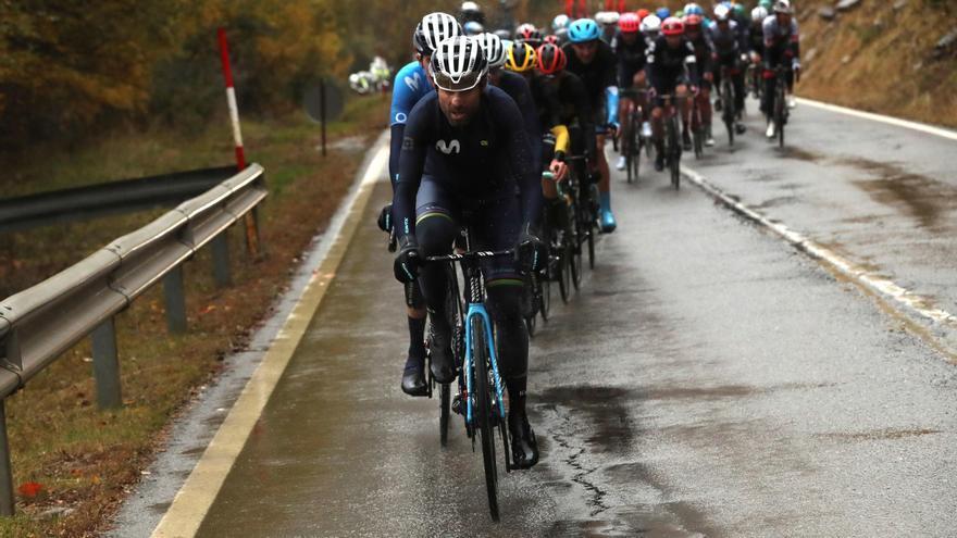 Valverde se divierte y la Vuelta crece