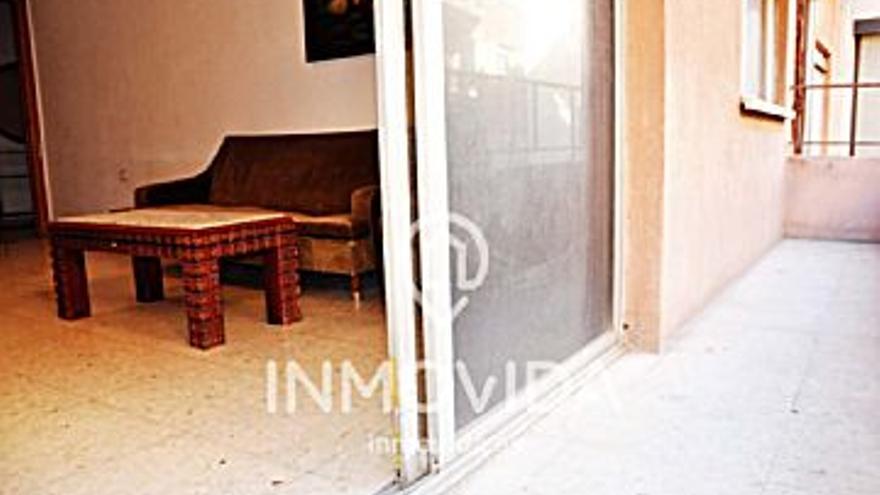 70.000 € Venta de piso en Xàtiva 102 m2, 4 habitaciones, 1 baño, 686 €/m2...