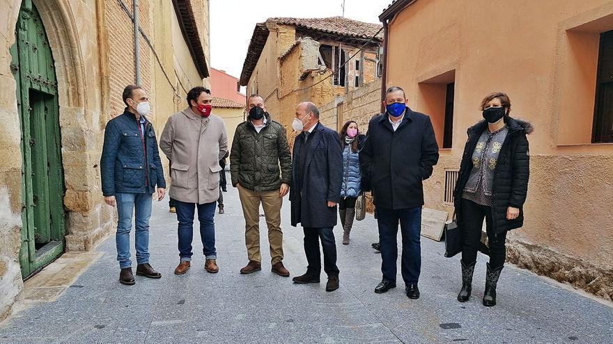 La reurbanización de la calle Las Monjas solventará las filtraciones a Santa Sofía