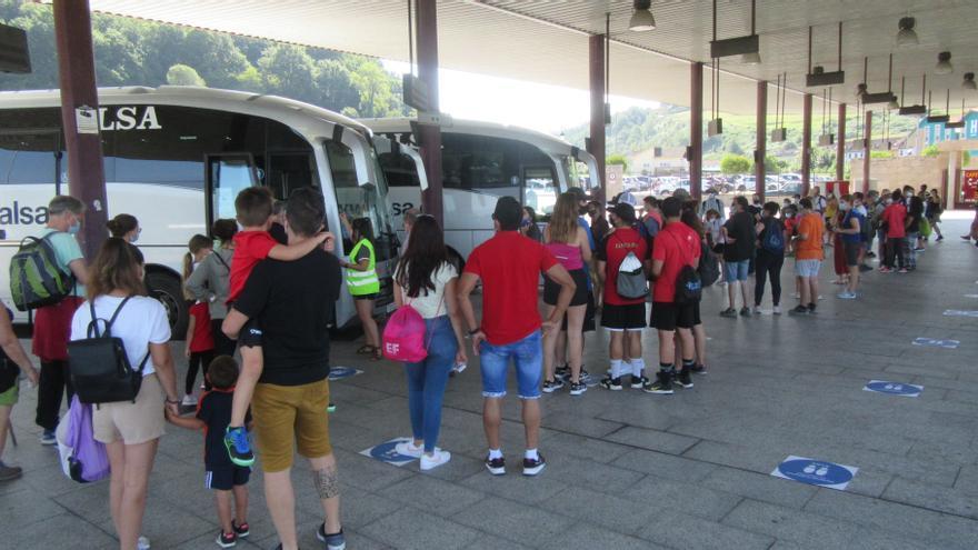 Se reanuda el plan de transporte a Covadonga: horarios y días para subir a los Lagos en bus-lanzadera