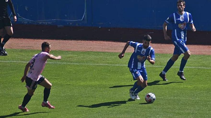 El Lorca Deportiva  se aferra al milagro de la permanencia