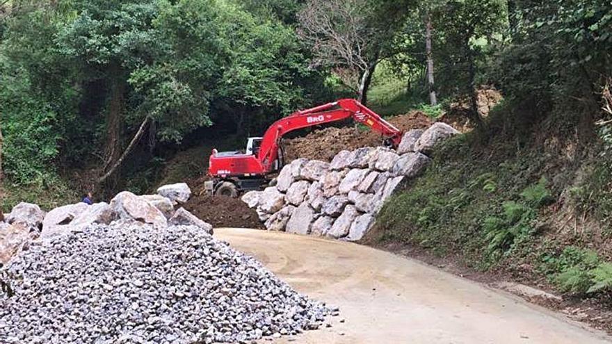 La carretera de Sardalla, en Ribadesella, abrirá parcialmente en unos días
