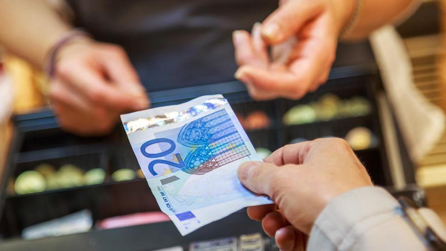 La UE a favor de aceptar el pago en efectivo como un ejercicio de los derechos fundamentales