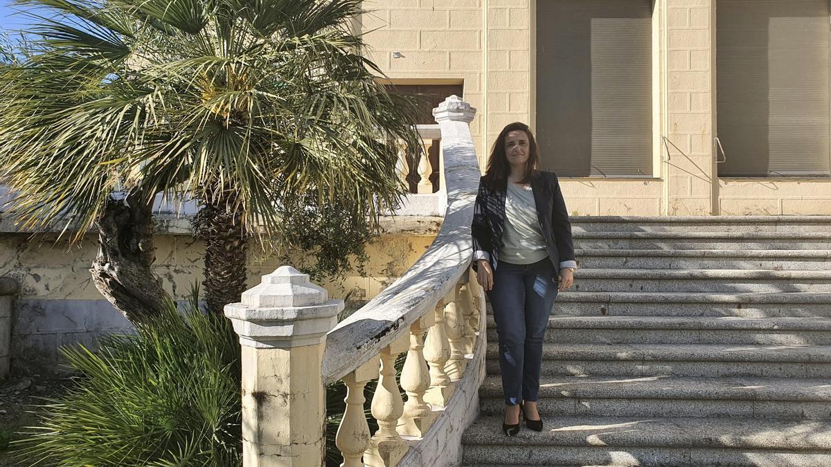 Elisa Cruz, directora del balneario de Baños de Montemayor posa para este diario.