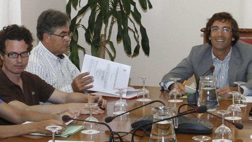 Corujo y San Ginés se amenazan con denunciarse en el juzgado por Inalsa