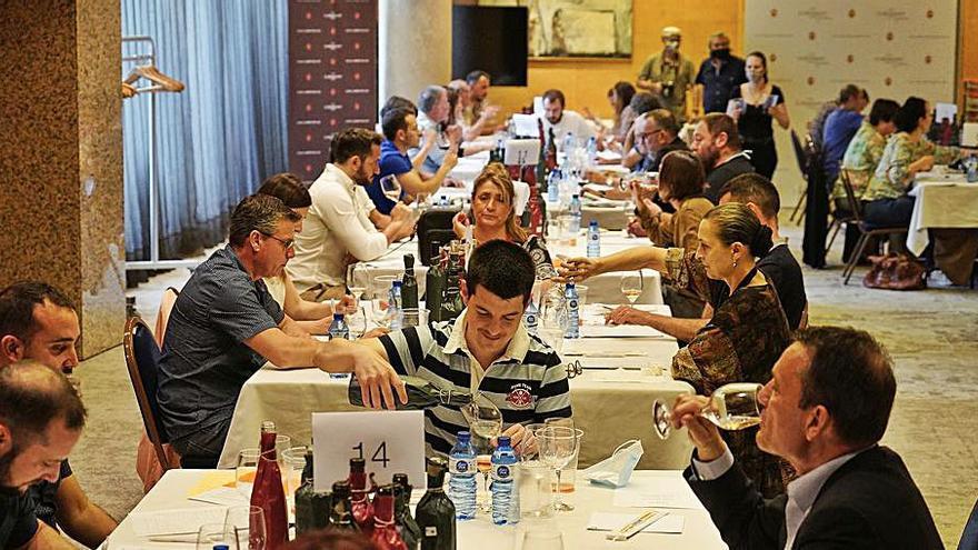 El Girovi reuneix més de  300 mostres de vins i caves