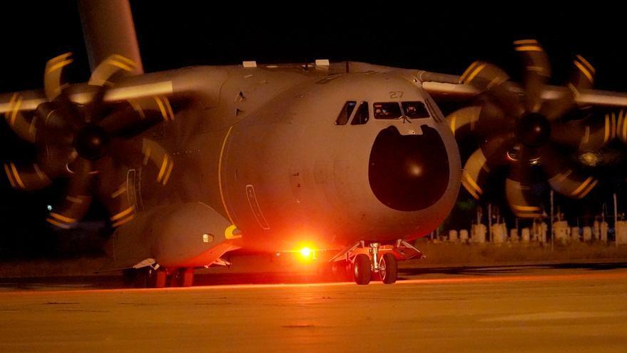 Llega a Madrid la primera tanda de españoles y afganos evacuados de Kabul