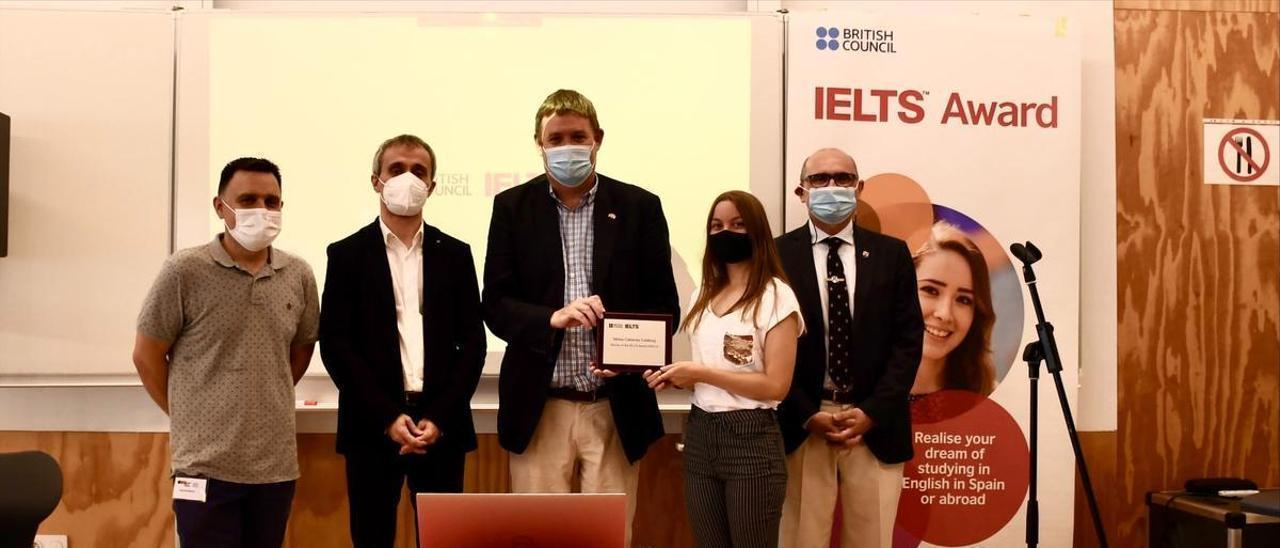 Mireia Cabanes rep el premi del British Council   LEVANTE-EMV