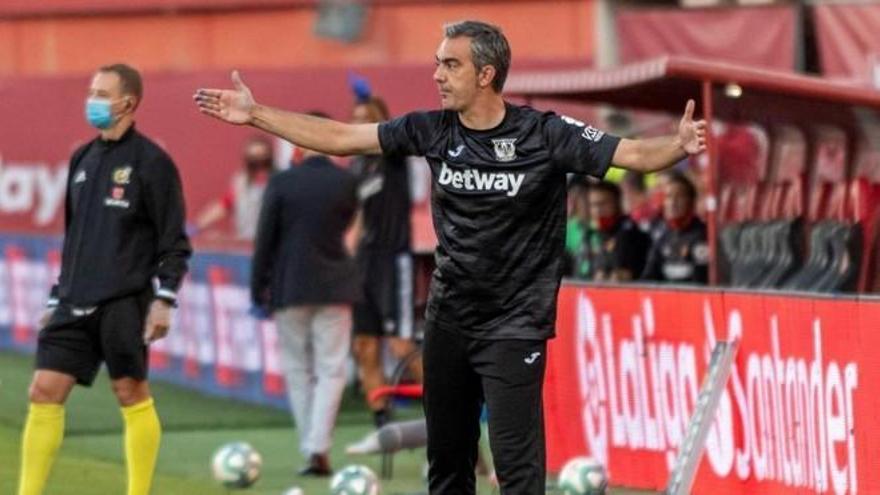 El técnico mallorquín Toni Amor se despide de la afición del Leganés