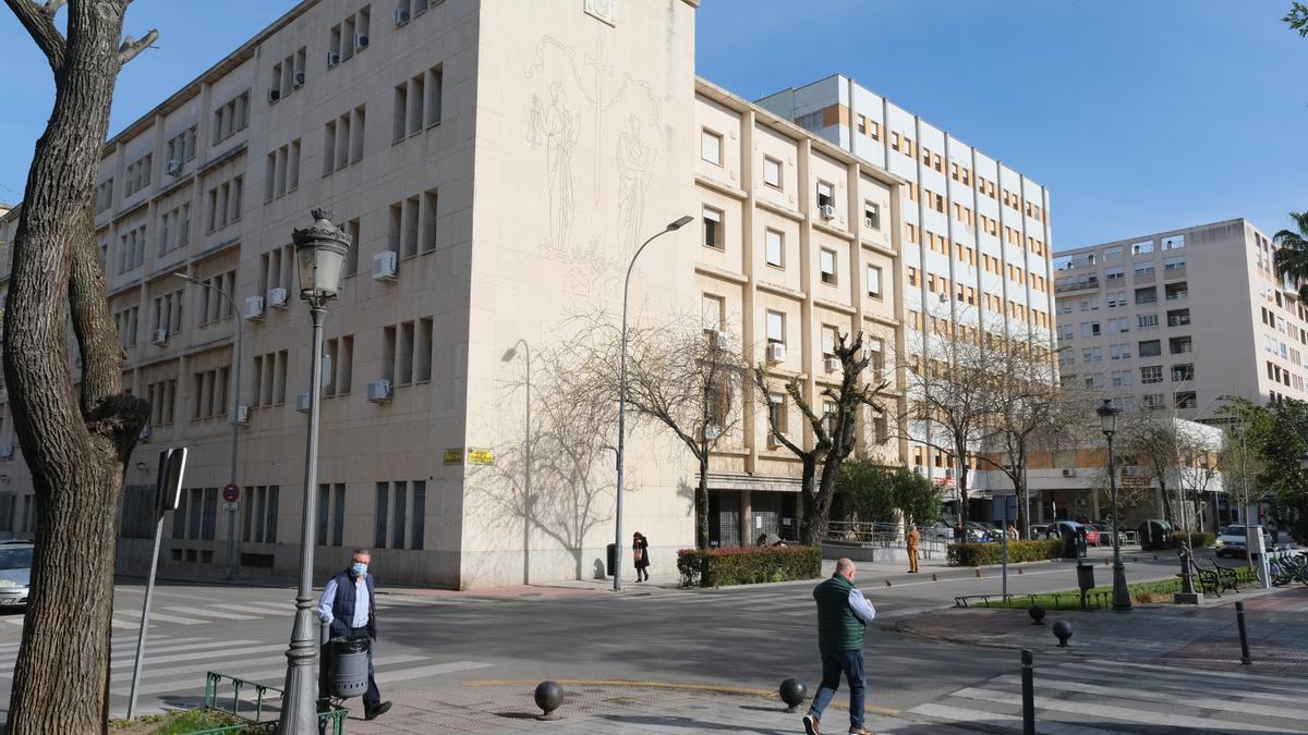 Fachada de la Audiencia Provincial de Badajoz