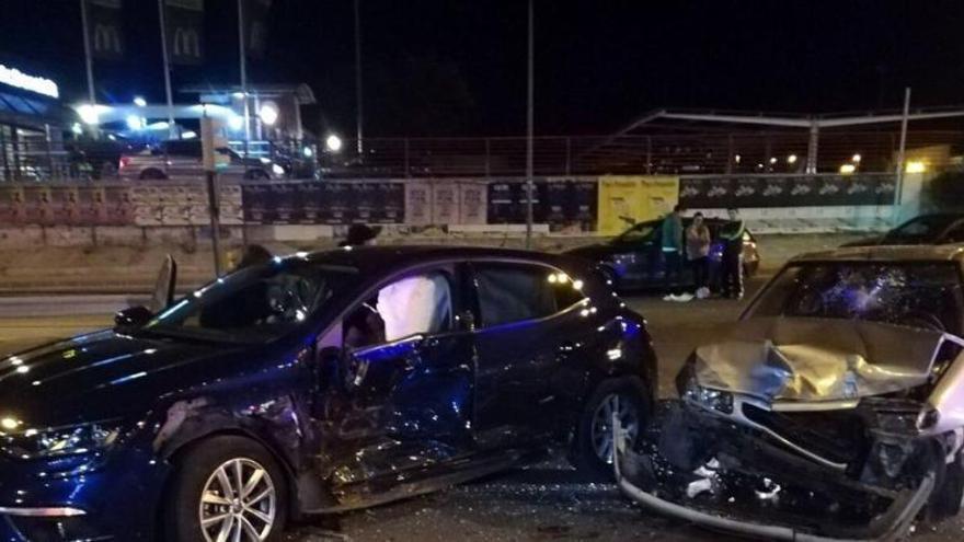 Tres heridos en la colisión de dos coches en Molina