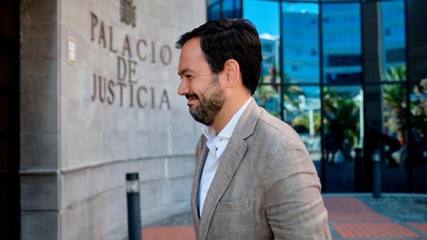 Génova trata de relanzar el pacto con CC sin descartar a Clavijo en el Gobierno