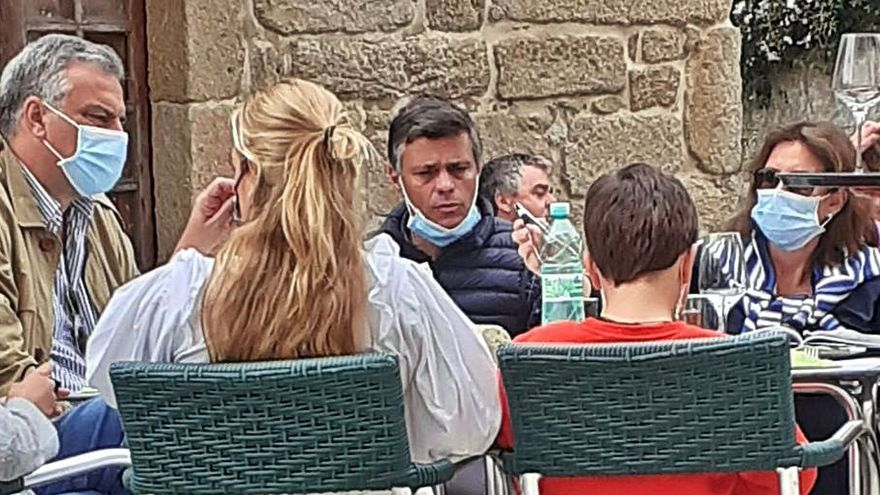 """Leopoldo López, el embajador que le """"ayudó"""" a salir de Venezuela y el chalé de Raeiros"""