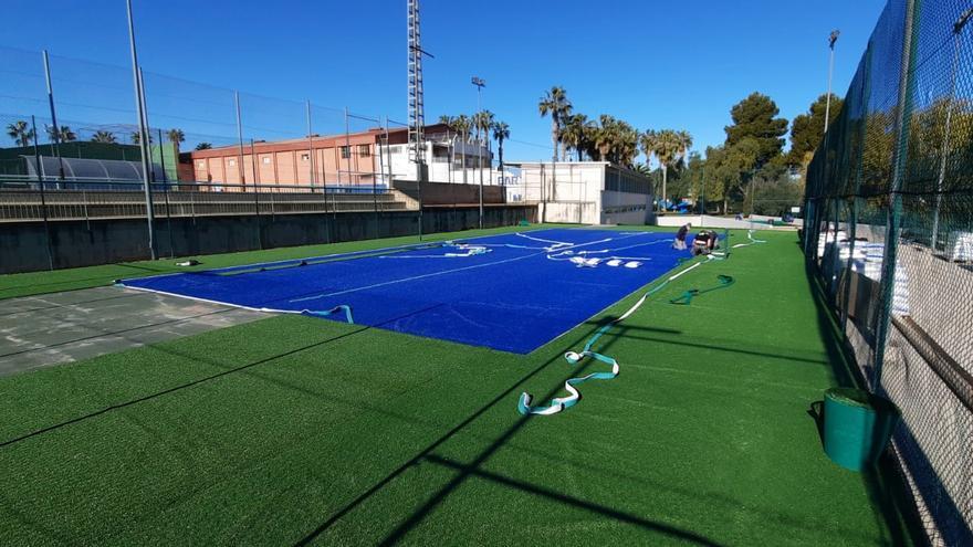 Benaguasil reforma las pistas de pádel y tenis