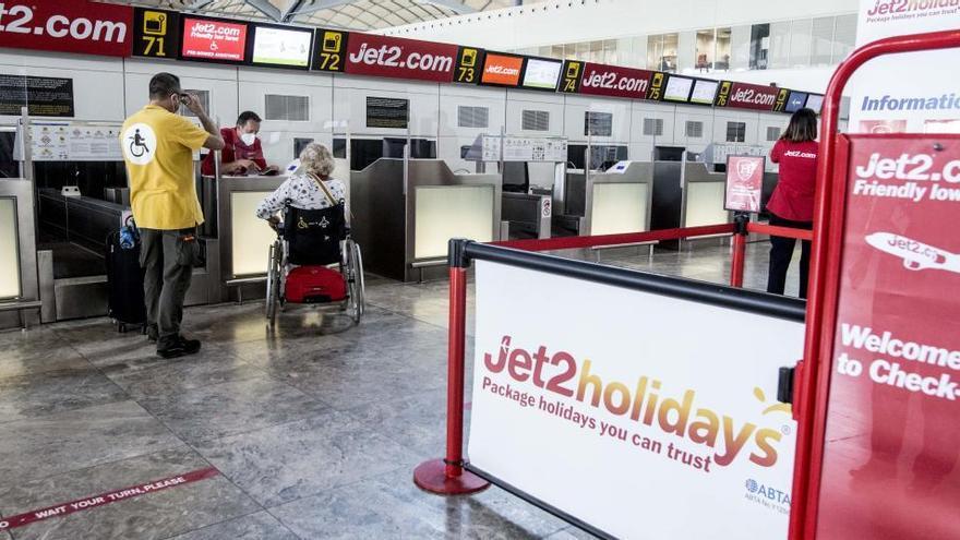 La británica Jet2 suspende todos sus vuelos a Almería, Alicante, Málaga y Murcia