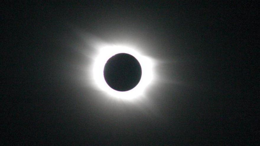 Dónde y cuándo ver el eclipse solar total del 2 de julio