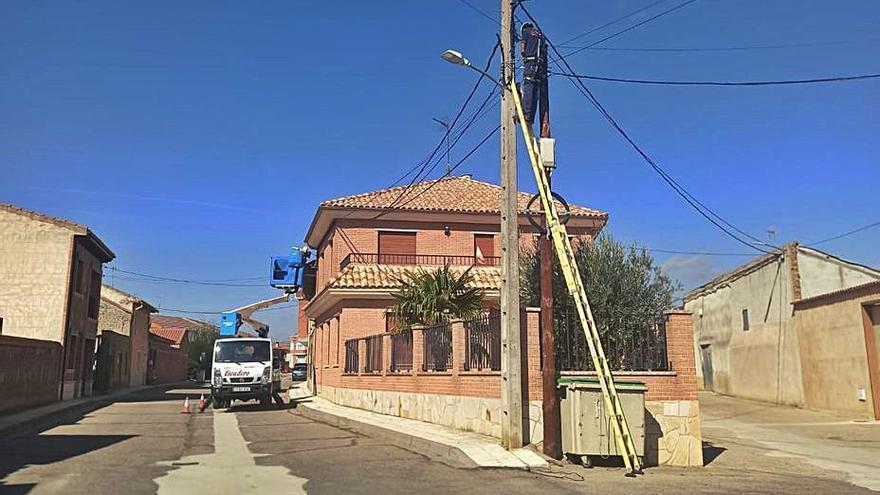 San Cristóbal ha iniciado ya la renovación del alumbrado público en varias calles
