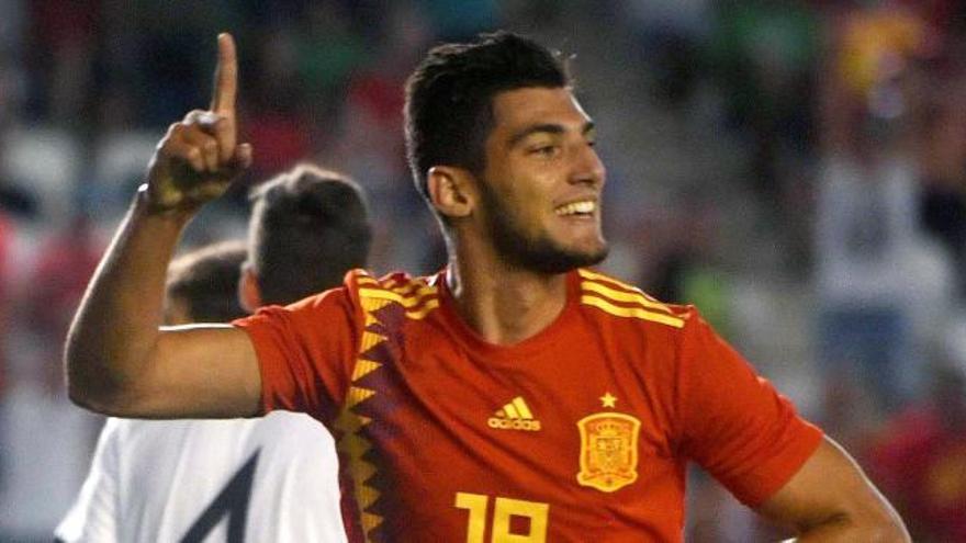 Un gol del murciano Rafa Mir da la victoria a España