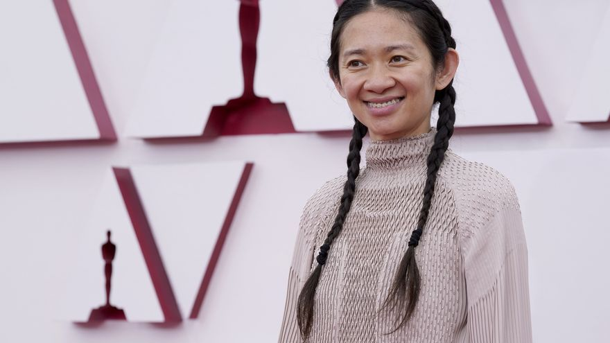 Chloé Zhao gana el Oscar a la mejor dirección por 'Nomadland'