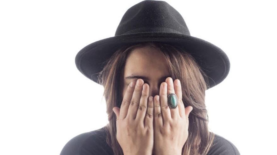 La cantautora sevillana Adriana Moragues inaugura una nueva edición de 'Patios En(Cantados)'