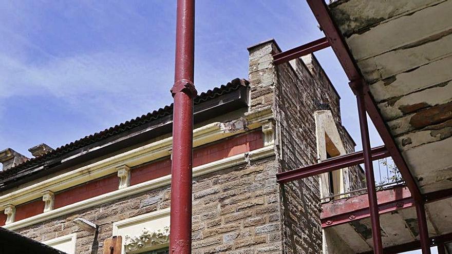 El Principado busca empresas para que se instalen en el sanatorio de Bustiello
