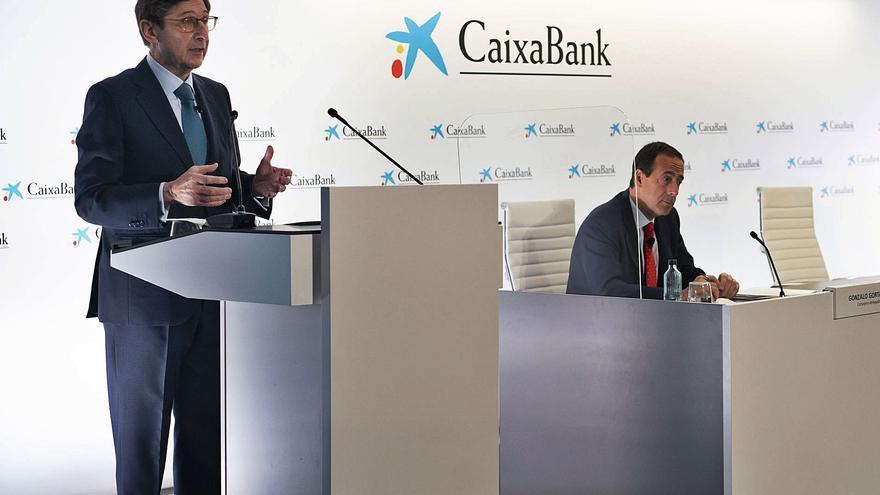 La nueva CaixaBank acelera la integración en los cajeros y en la marca