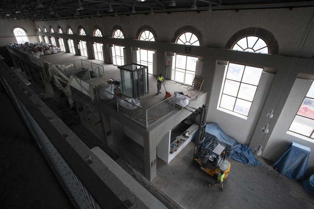 Comienza el traslado del archivo de AHM desde la nave que albergará el futuro Museo Industrial.