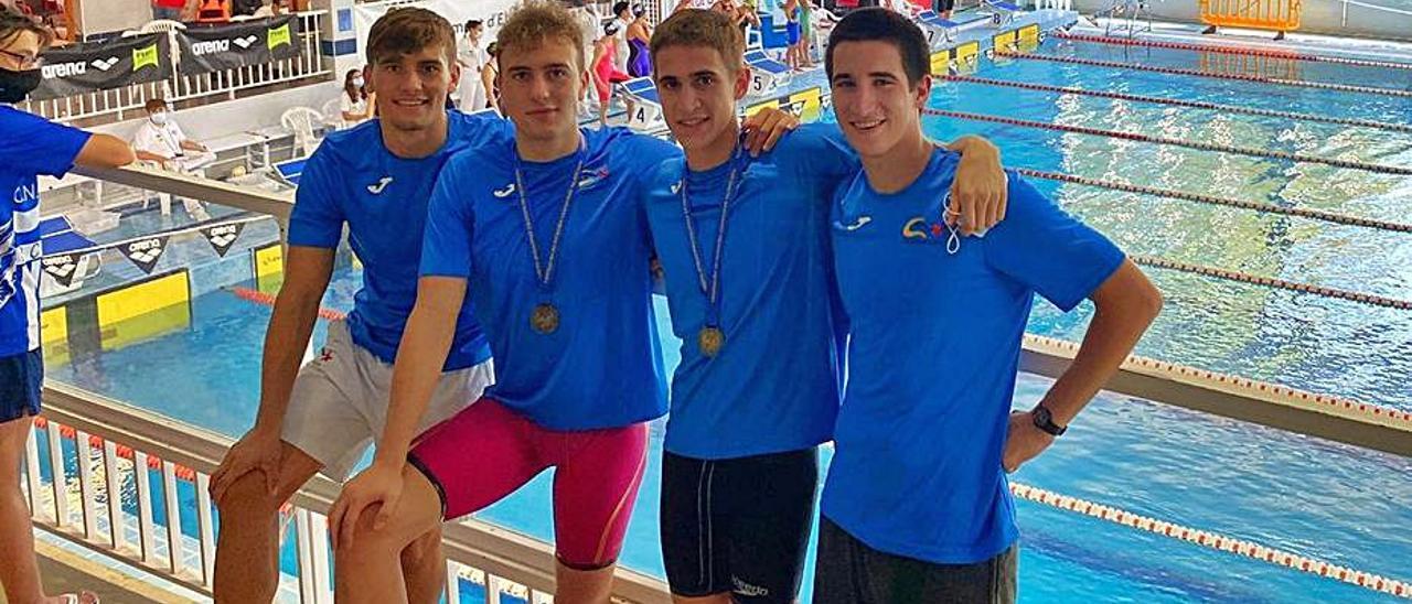 Los cuatro nadadores del Club Natació de Xàtiva, en Elche   CLUB NATACIÓ XÂTIVA