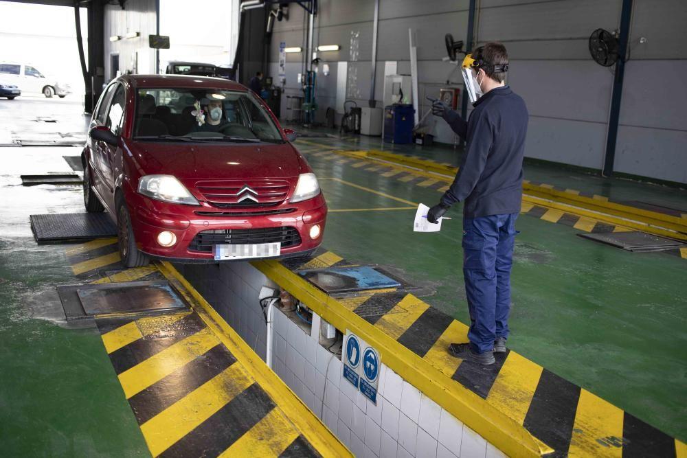 Inspección técnica de vehículos tras la apertura de este lunes en Xàtiva