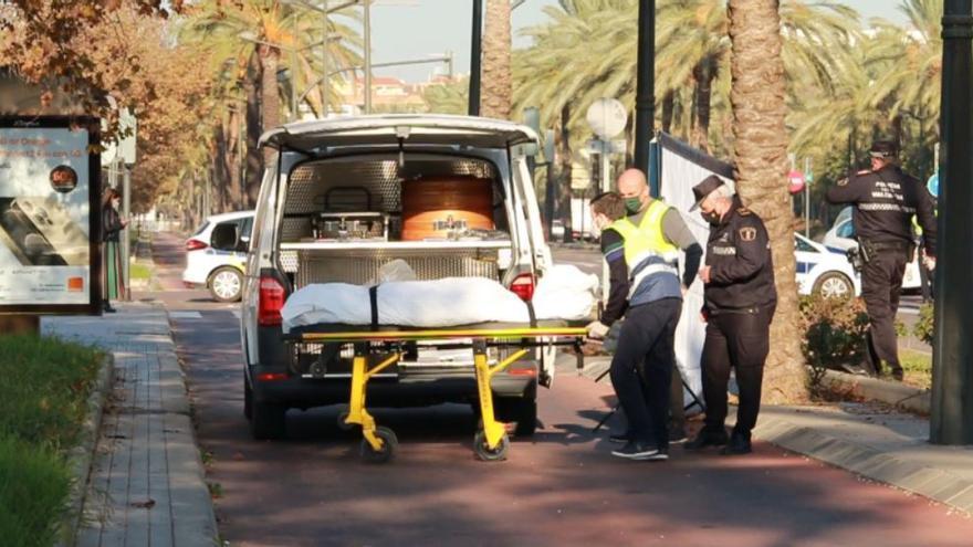 Una mujer muere arrollada por un coche en el Bulevar Sur de València