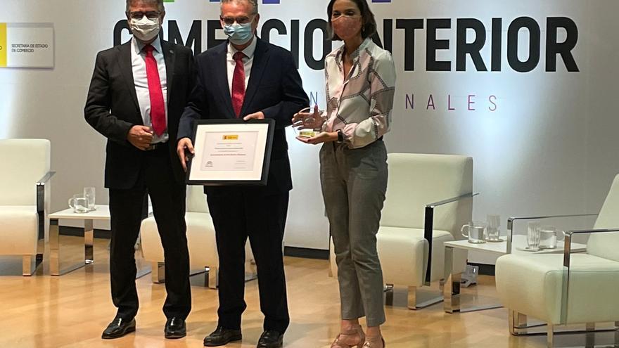 Don Benito recibe el Premio Nacional de Comercio en Madrid